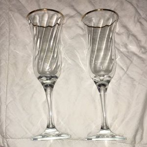 Pair of 2 heavy Gold rim champagne flutes NEW